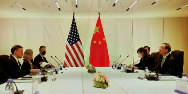 中美高层瑞士会晤:防止矛盾抵抗