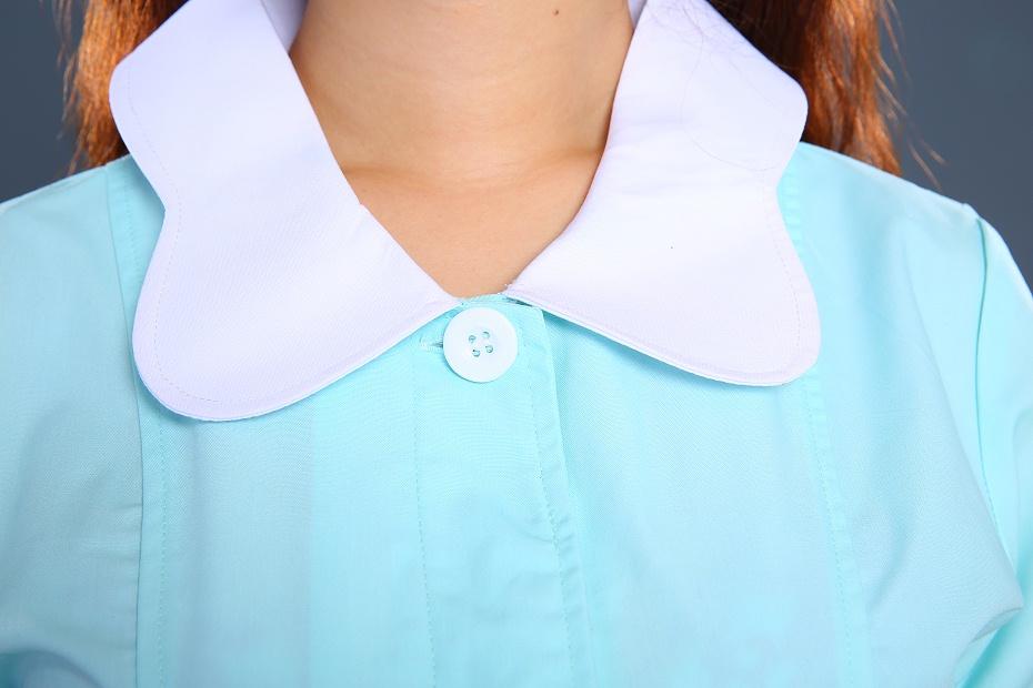 浅绿色护士制服