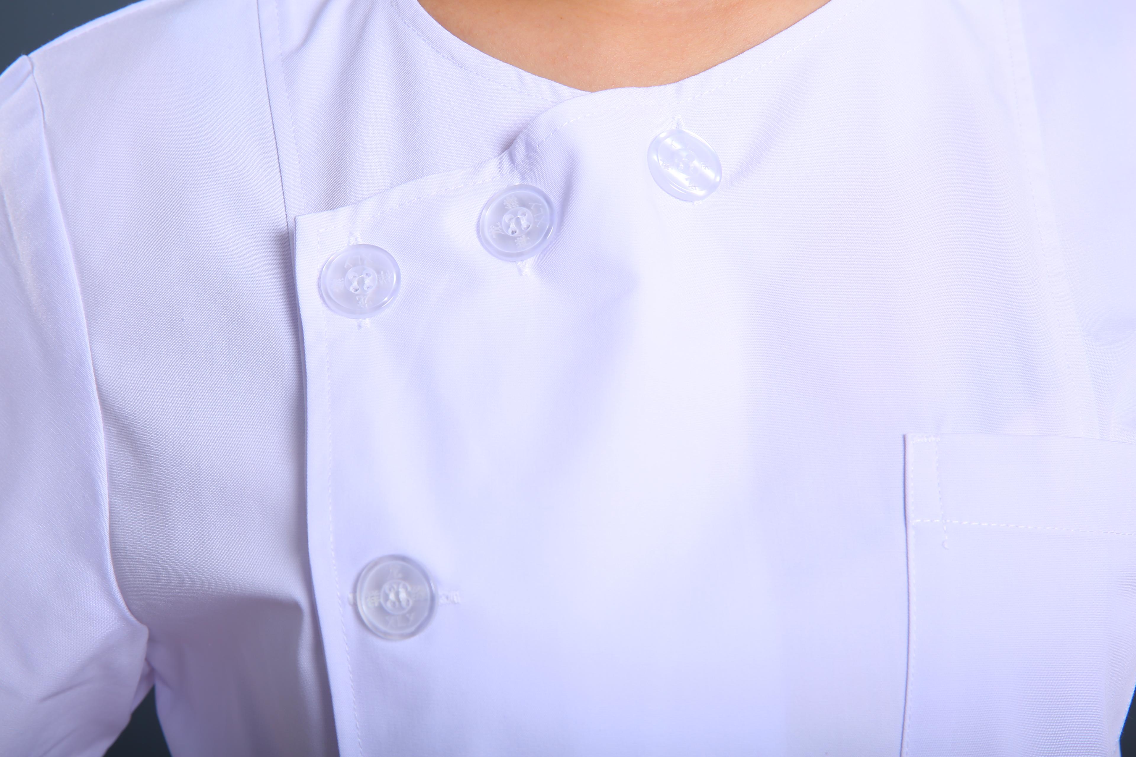白色护士制服
