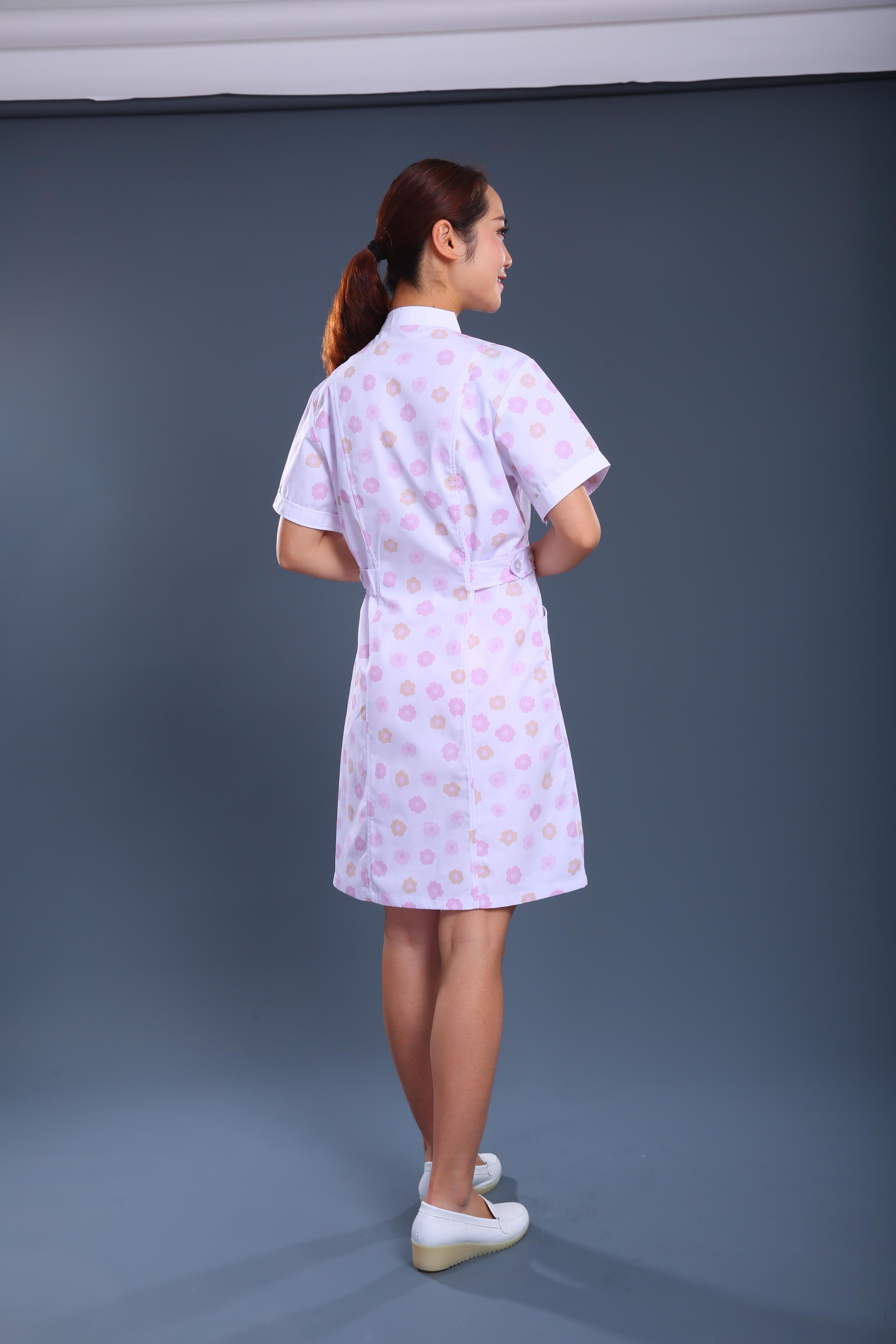 印花护士制服