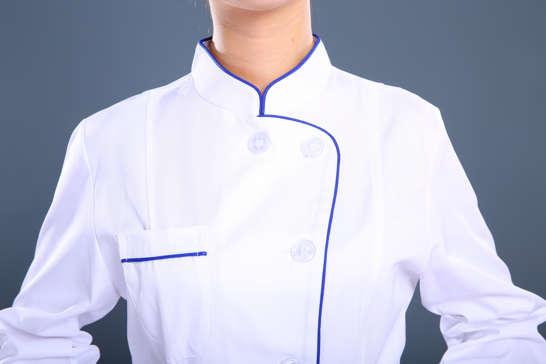 白色长款护士制服