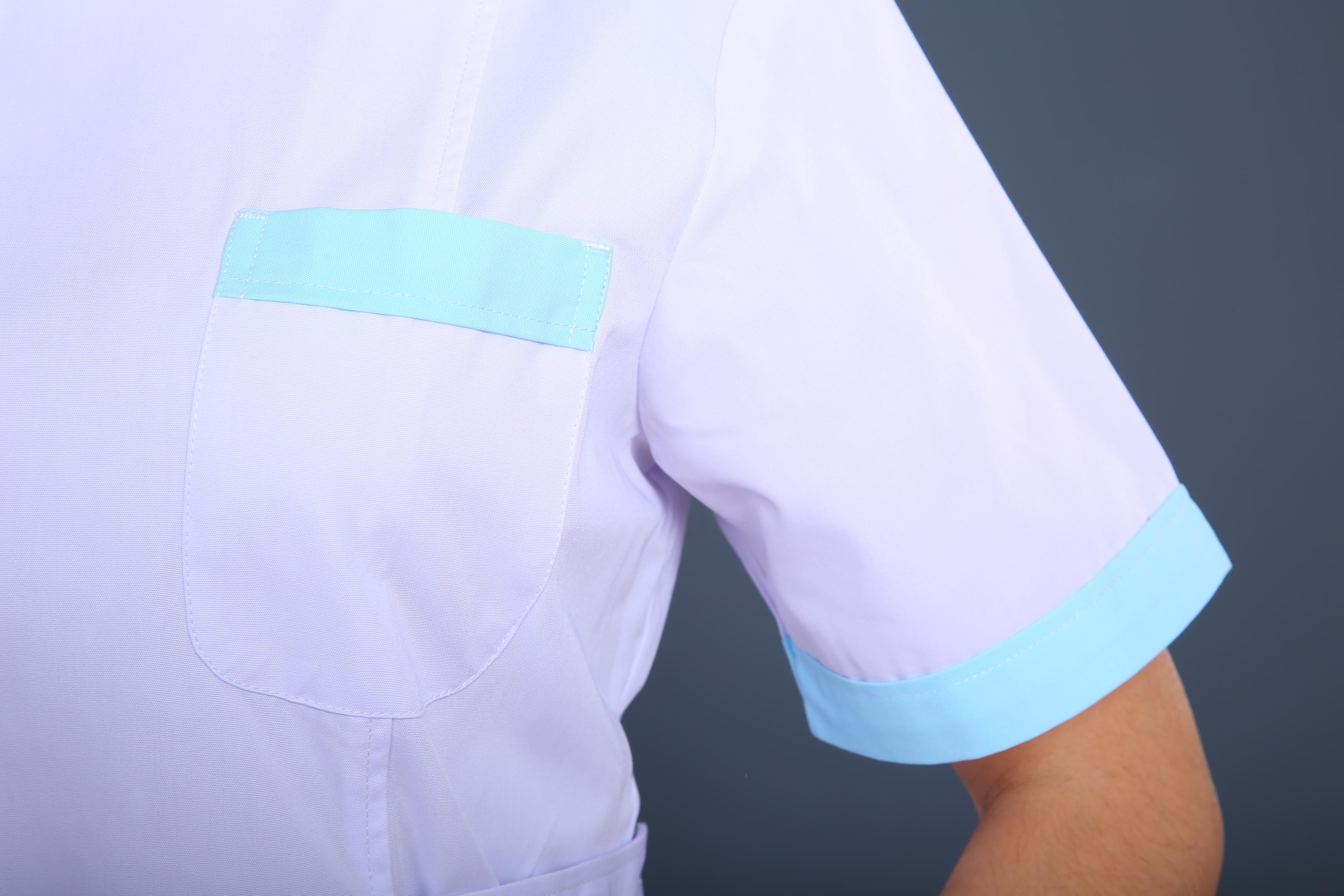 白绿护士制服